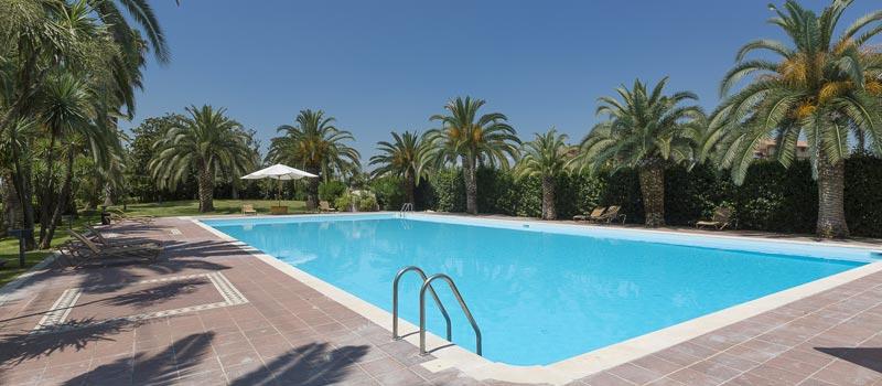 Hotel rainbow magicland parco giochi valmontone offerte - Parco tivoli piscina ...